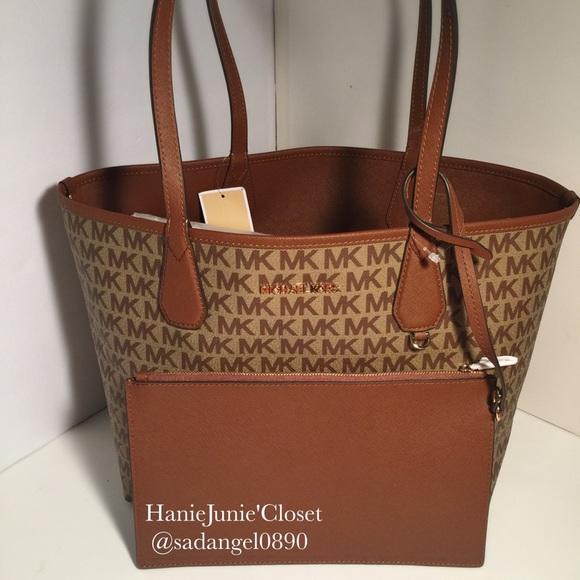 54a3b3e851a6d2 Michael Kors Bags | Sale Candy Large Reversible Tote | Poshmark